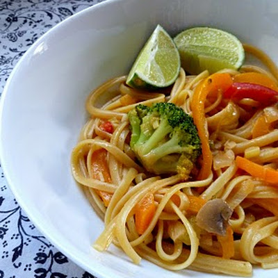 Veggies and Noodles with Thai Coconut Curry Sauce {aka Kate's Noodles & Company Bangkok Curry Semi-Knockoff}