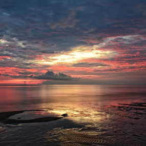 SUNSET by Sim Sherina - Landscapes Sunsets & Sunrises ( clouds, damai centre, kuching, sunset, reflections, beach,  )