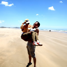Romantic Beach Couple by Rudi Botha - People Couples ( holiday, love, romantic, beach, fun,  )