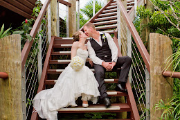 A kiss on the steps