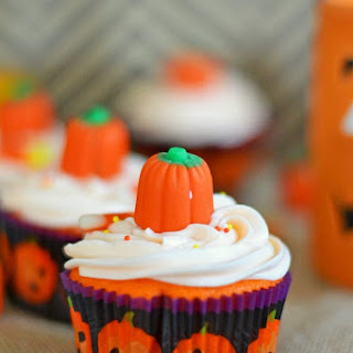 TruMoo Orange Scream Frosted Candy Pumpkin Cupcakes #TruMoo