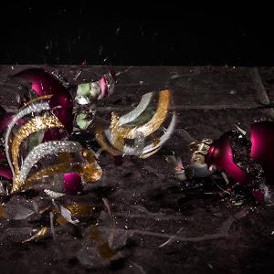 Christmas Orniment Shatter 5.jpg