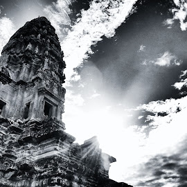Angkor Wat by Matthäus Rojek - Buildings & Architecture Places of Worship ( black & white, angkor wat, cambodia )