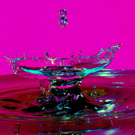 Water dropss by Fred Øie - Abstract Water Drops & Splashes ( abstract )