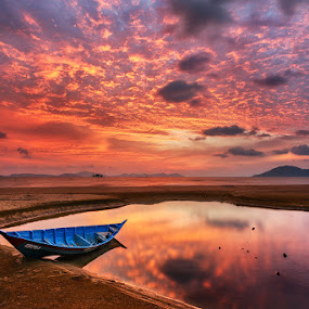 Sunset Reflection by Bobby Bong - Landscapes Sunsets & Sunrises ( sunset, seascape, beach, singkawang, boat, alone, landscape )