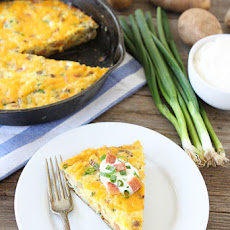 This Frittata Is Loaded With Potatoes And All Of Your Favorite Baked Potato Toppings!