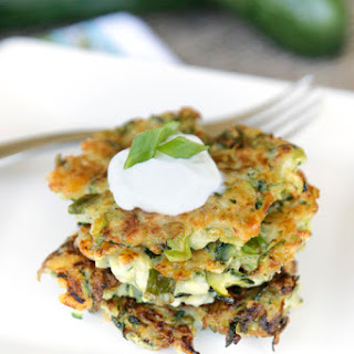 {Healthy!} Zucchini Fritters