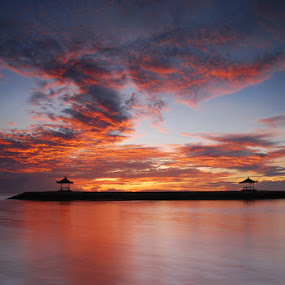 Beautiful Morning by Yande Ardana - Landscapes Sunsets & Sunrises ( bali, indonesia, sanur, beach, sunrise )