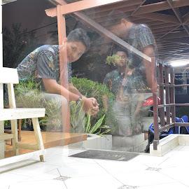 Batik it's my clothes by Childa Sukma - Novices Only Portraits & People ( batik, people, slow shutter )