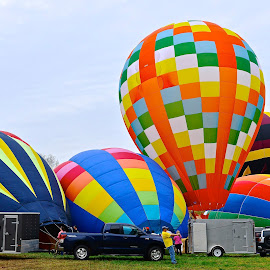 Highlife by Roy Walter - Transportation Other ( hot air balloon, flight, colors, transportation, balloon )