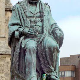 Sir William Grey by Jenny Linsel - Buildings & Architecture Statues & Monuments