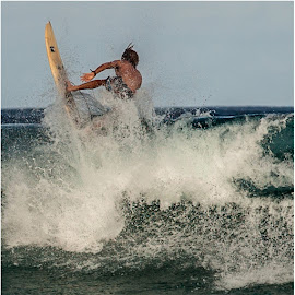 last ride by Maricha Knight van Heerden - Sports & Fitness Surfing ( surfing, torfinho, summer, mozambique, big waves )