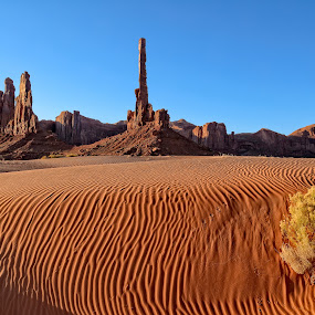 The Totem Pole by Gordon Banks - Landscapes Deserts ( monument valley, north america, utah, totem pole, places, usa )