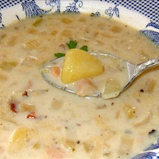Creamy Canadian Clam Chowder