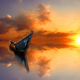 perahu di sore itu by Indra Prihantoro - Transportation Boats ( sunset, boat )