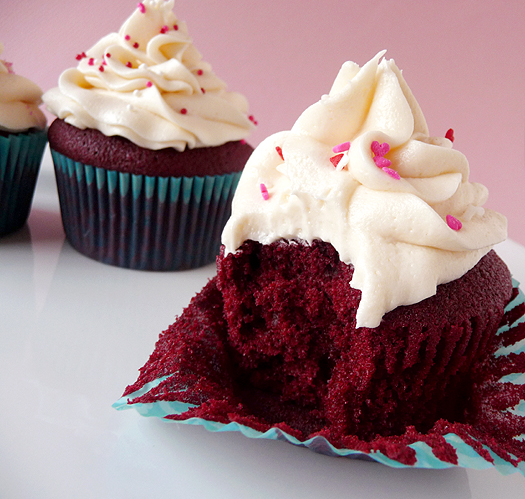 Red Velvet Cupcake With Cream Cheese Frosting Red Velvet Cupcakes With Cream