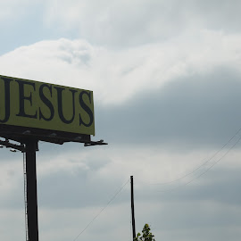 Got Jesus by Robin Hennon - Novices Only Street & Candid