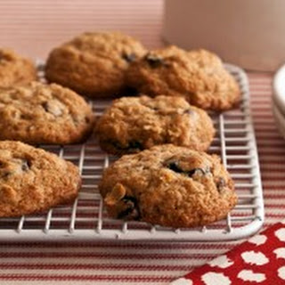 Candace Cameron Bure's Oatmeal Chocolate Chip Cherry Cookies