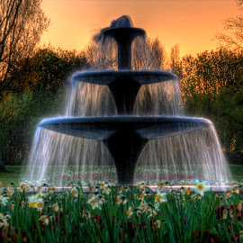 by Nigel Briggs - City,  Street & Park  Fountains