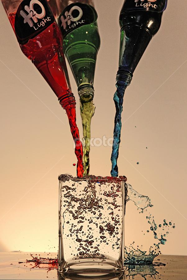 H2O lite by John Walton - Abstract Water Drops & Splashes ( heritagefocus. water. rgb )