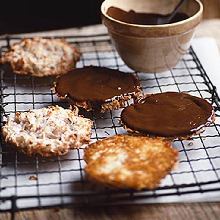 Coconut & Chocolate Macaroons Recipe | Yummly