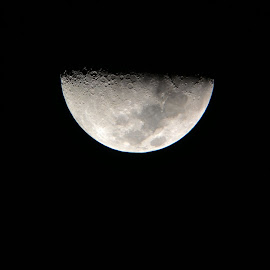 First Quarter Moon by Saliem Agoes - Novices Only Macro ( #moon #astrophotography #macro )