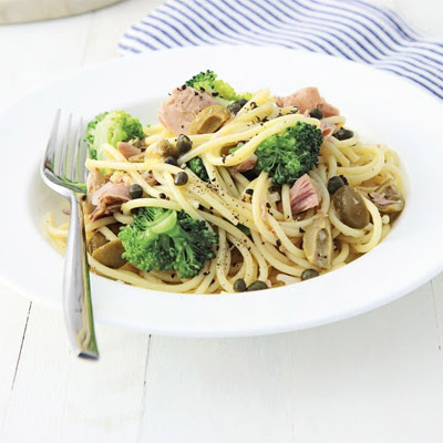 Lemon Spaghetti With Tuna & Broccoli