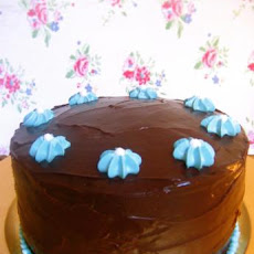 Old Fashioned Chocolate Cake With Glossy Chocolate Icing