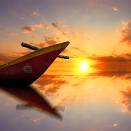 sore itu indah by Indra Prihantoro - Digital Art Things ( sunset, boats, boat )