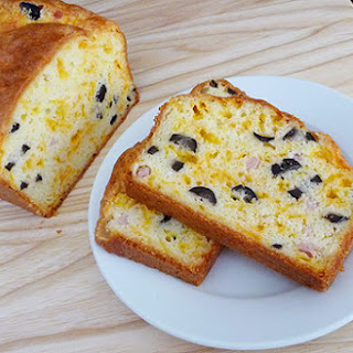 Cheese, Ham and Olive Bread