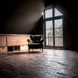 chateau Zakspeed by Nicky Staskowiak - Artistic Objects Furniture ( urbex, chateau zakspeed, belgium, decay, abandoned )
