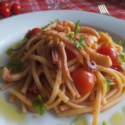 Spicy Linguine With Squid