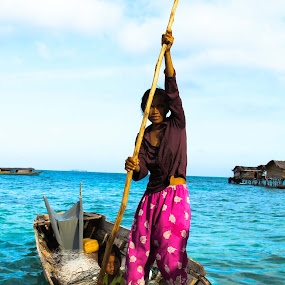 sea gypse boat by Zahir Mohd - People Street & Candids