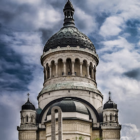 It stands tall before the storm by Dragos Birtoiu - Buildings & Architecture Public & Historical ( sky, church, dramatic, romania, cluj )