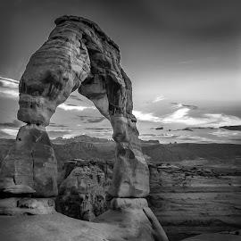 Arch by Laimis Urbonas - Landscapes Mountains & Hills ( desert, arch, utah, rocks, black&white, black and white, b&w, landscape )
