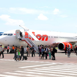 LION AIR by Bambang Setiawan - Transportation Airplanes ( airport, airplane,  )