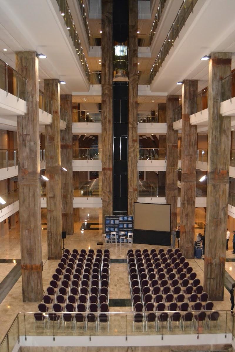 presentaciones publicas en el hotel holiday polynesia