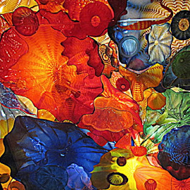 Chihuly in Seattle by Terry Moffatt - Artistic Objects Glass ( colors, glass, chihuly glass, artistic objects, blown glass, chiuly )