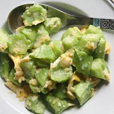 Stir-Fried Luffa Gourds with Eggs