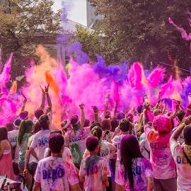 Color Throw by Tudor Migia - News & Events World Events