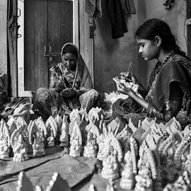 gals colouring idols of ganesha by Akshay Gupta - People Street & Candids