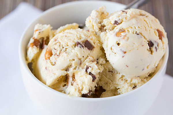 Malted Vanilla Ice Cream with Peanut Brittle & Milk Chocolate Chunks ...
