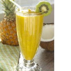 Pineapple-​Kiwi Smoothie