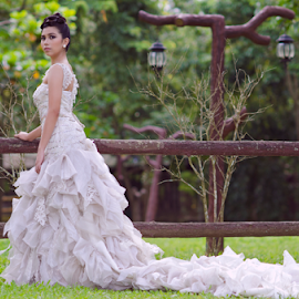 Cathleen by Micoy Ausa - Wedding Bride