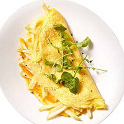Apple-Cheddar Omelet