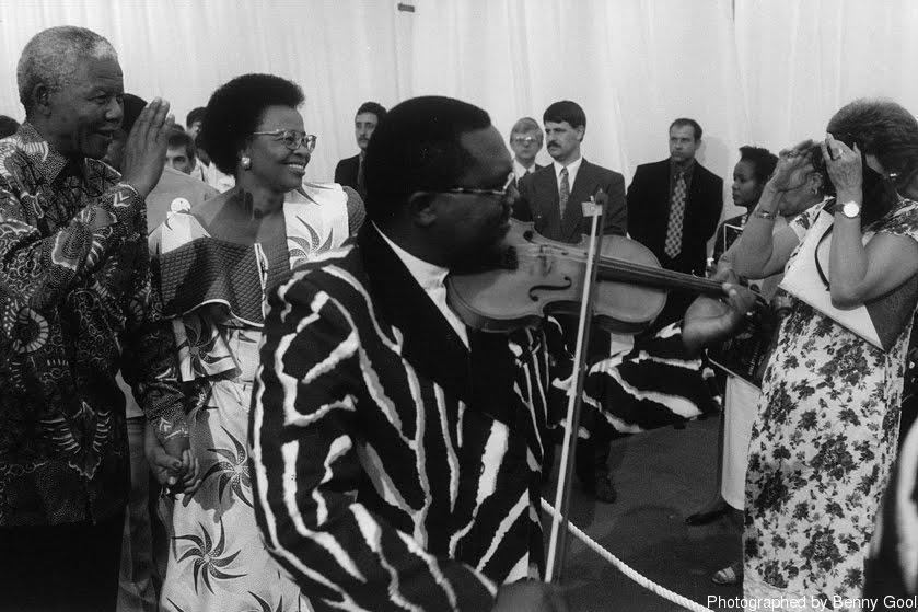 """""""我会永远珍惜这一刻,也绝不会忘记曼德拉总统厚实温暖的手。"""""""