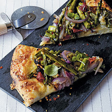 Grilled Pizza with Asparagus and Caramelized Onion