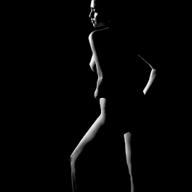 The line on body by Stefanus Ming - Nudes & Boudoir Artistic Nude ( nude, nude art, art, lines, low light, ming, stefanus ming, light, one light,  )