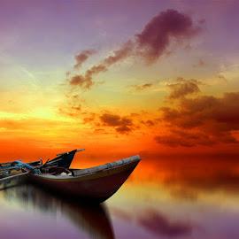 kala senja by Indra Prihantoro - Transportation Boats ( sunset, boats, boat )