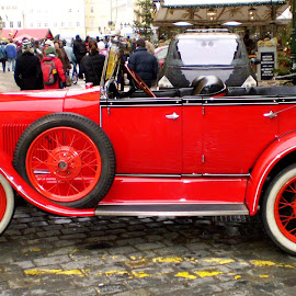 Old car Prague by Claudiu Petrisor - Transportation Automobiles ( streetphotography, fashion, old car, red, christmas )